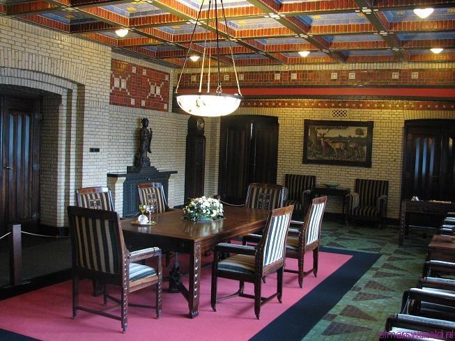 Rondleiding door jachthuis sint hubertus 2 elmarswereld - Idee van de eetkamer ...