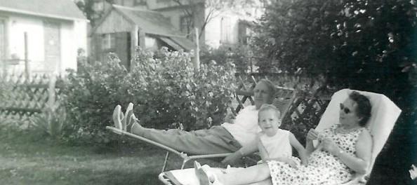 met opa en oma in St. Peter '64